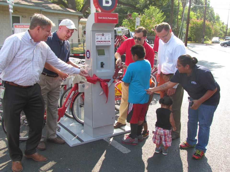 Austin B-Cycle ribbon cutting