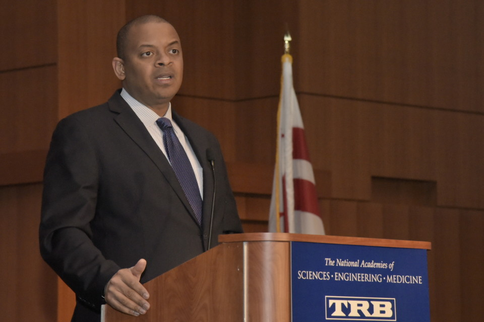Transportation Secretary Anthony Foxx. Credit TRB.
