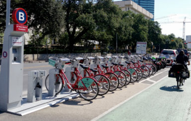 City officials' group: To make bike sharing more equitable, make street safety more equitable