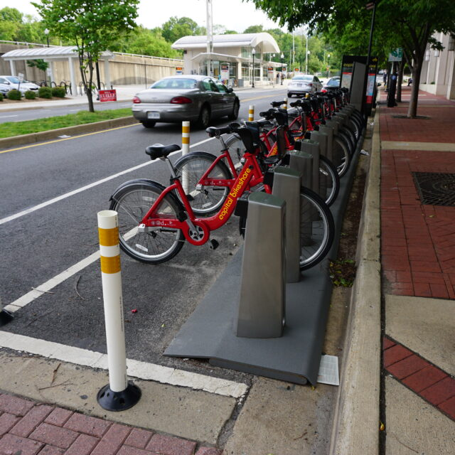 Arlington offered a cash-payment option for bikeshare. Nobody used it.